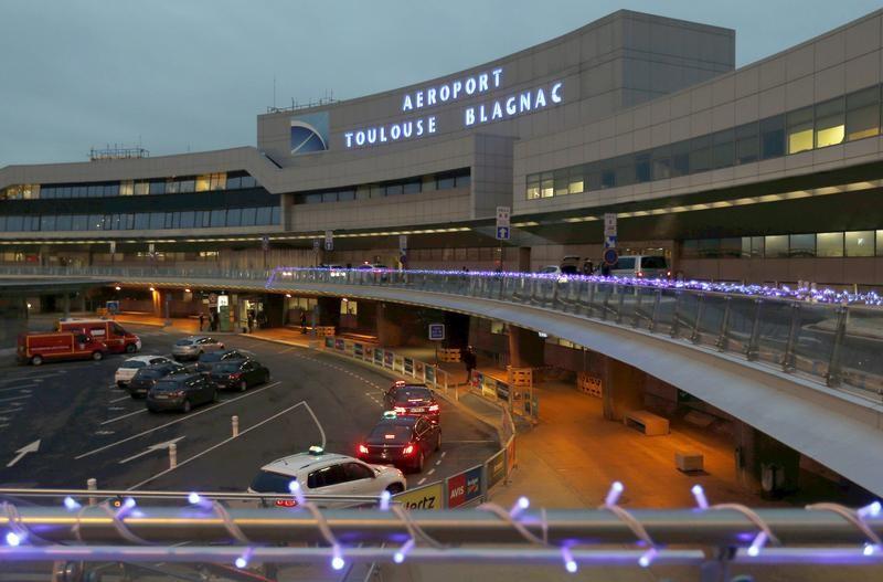 © Reuters. PÉTITION CONTRE LA PRIVATISATION DE L'AÉROPORT TOULOUSE-BLAGNAC
