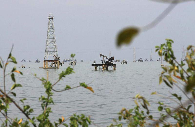 © Reuters. Нефтяное месторождение вблизи города Кабимас, Венесуэла
