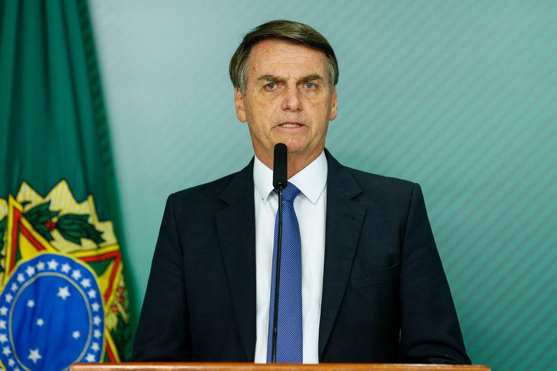 Bolsonaro pode levar pessoalmente texto da reforma da Previdência ao Congresso