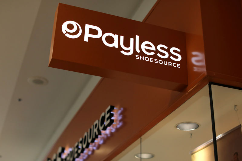 © Reuters. A Payless ShoeSource store is pictured in El Cajon, California