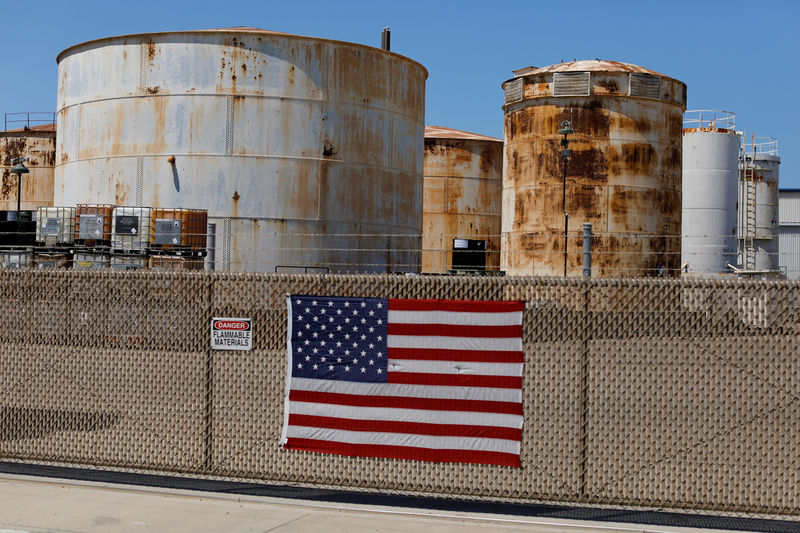 © Reuters. Fuel tanks are shown in National City, California