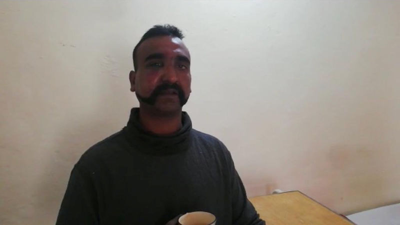 © Reuters. Indian pilot Wing Commander Abhi Nandan captured by Pakistan
