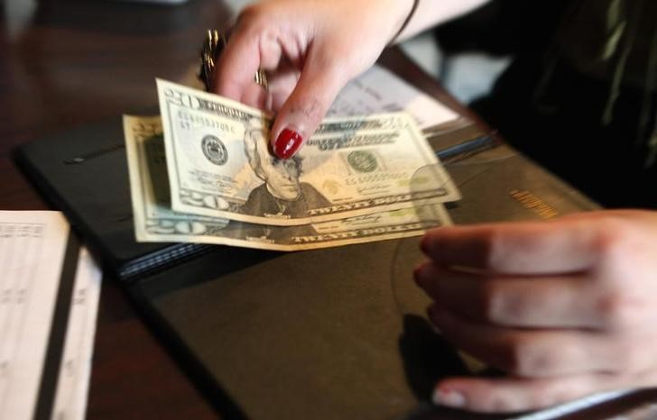 U.S. consumer spending, factory data point to weak first quarter GDP growth