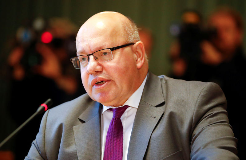 © Reuters. German Economy Minister Peter Altmaier addresses a news conference to present the national industry strategy for 2030 in Berlin