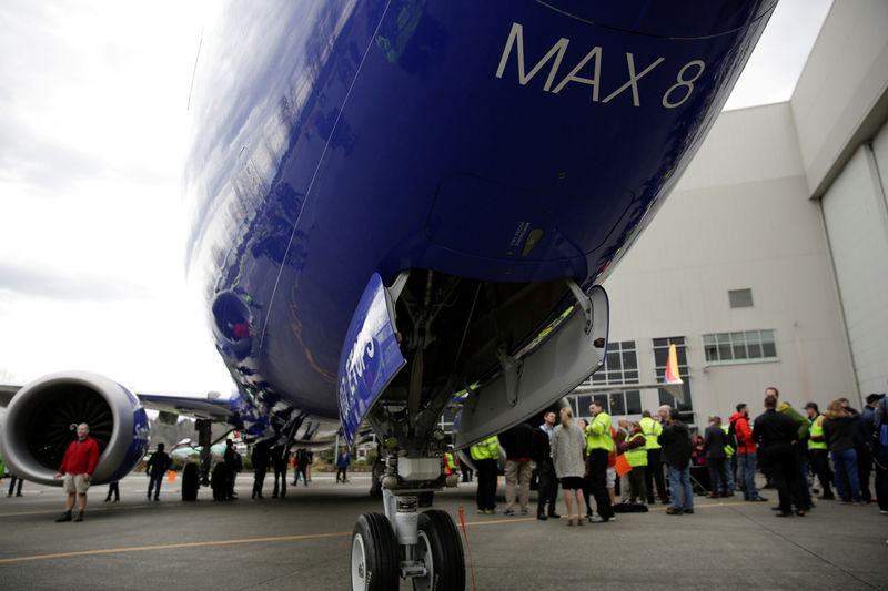 © Reuters. FILE PHOTO: Boeing celebrates the 10,000th 737 to come off the production line in Renton