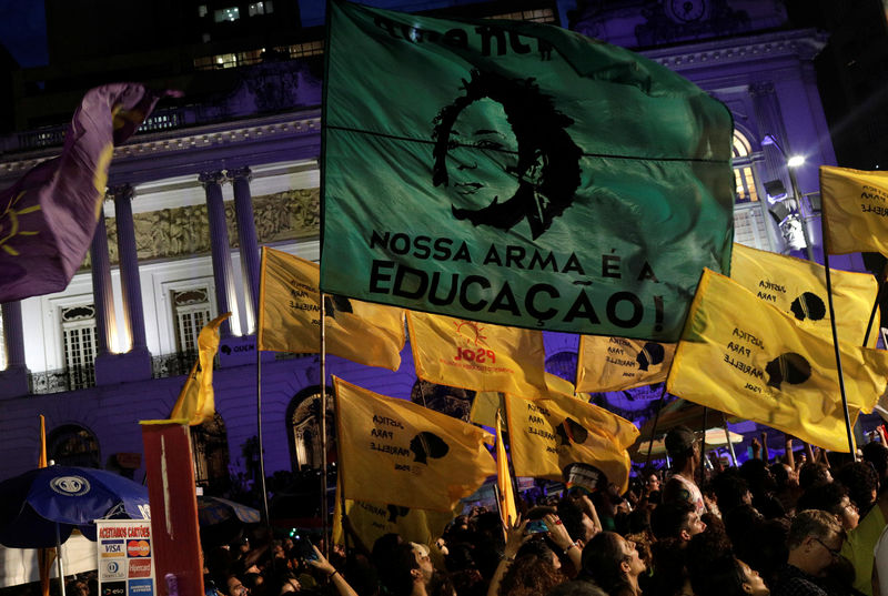 © Reuters. Manifestantes protestam para marcar um ano do assassinato da vereadora Marielle Franco