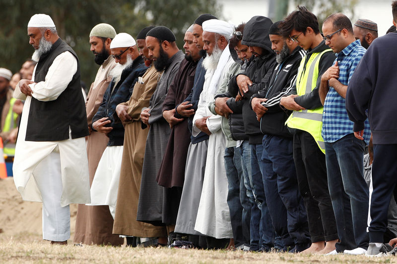 © Reuters. Burial ceremony of the victims of the mosque attacks in Christchurch