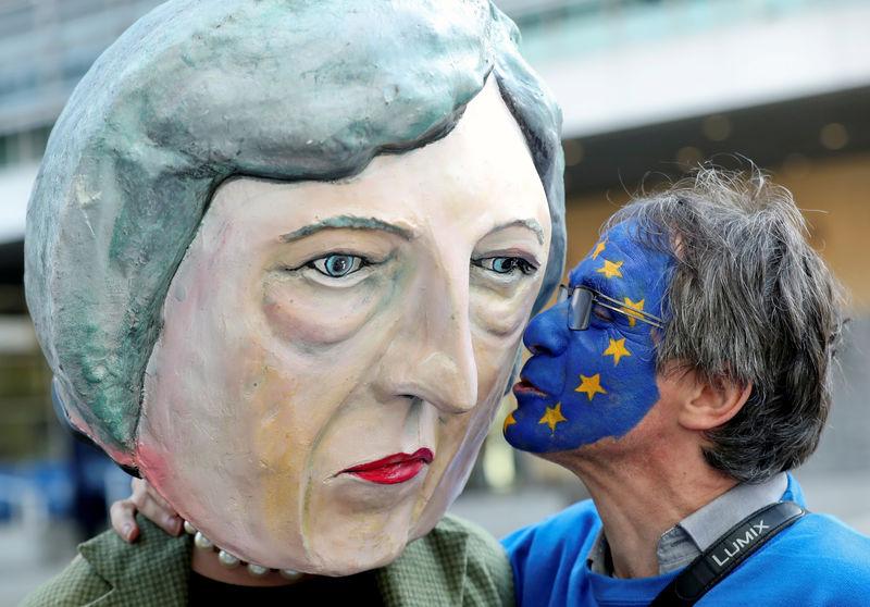 EU schlägt in Brexit-Drama Ball zurück zu Londoner Parlament