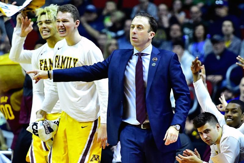 © Reuters. FILE PHOTO: NCAA Basketball: NCAA Tournament-First Round-Minnesota vs Louisville