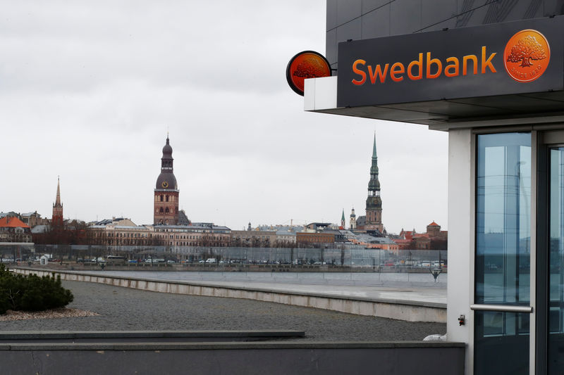 Estonian watchdog says unacceptable clients remain in banking system
