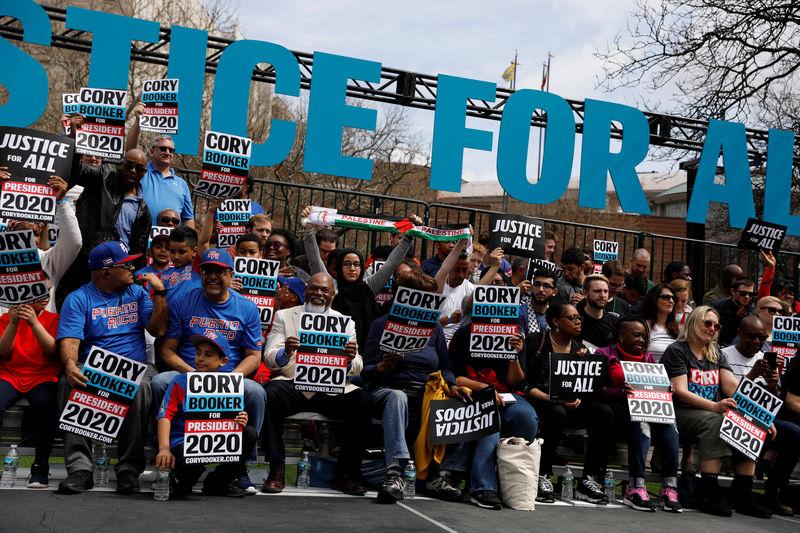 © Reuters. U.S. Senator Booker's Hometown Kickoff event in Newark, New Jersey