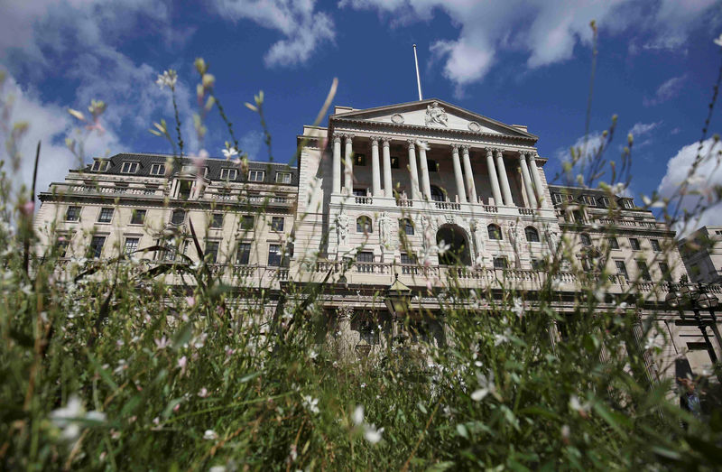 UK fears Brexit could hurt global hunt for new BoE governor