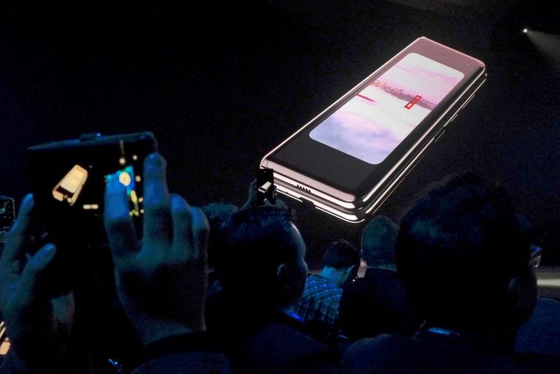 Samsung confirms delay of Galaxy Fold release