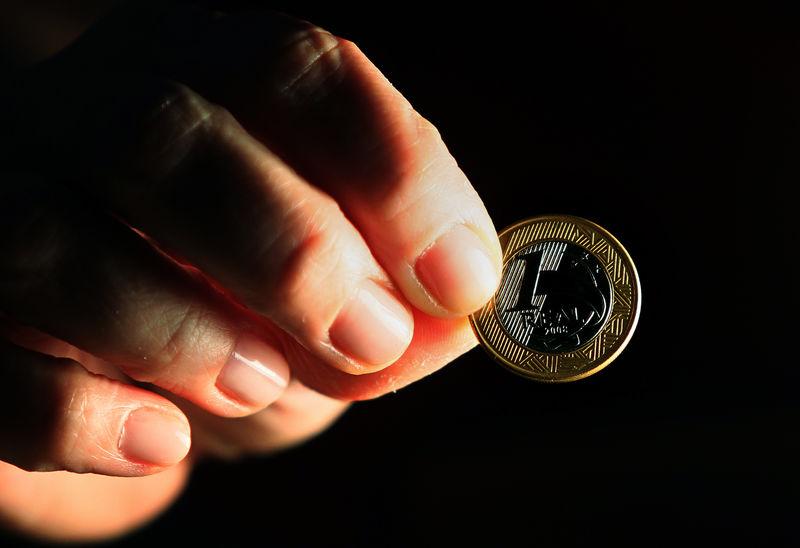 © Reuters. Uma moeda de 1 real