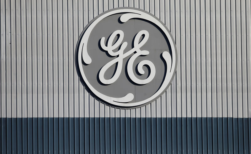 © Reuters. FILE PHOTO: US conglomerate General Electric logo is shown on the website of its energy sector in Belfort