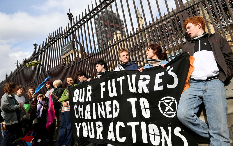 Teenage climate change protesters target Britain's parliament