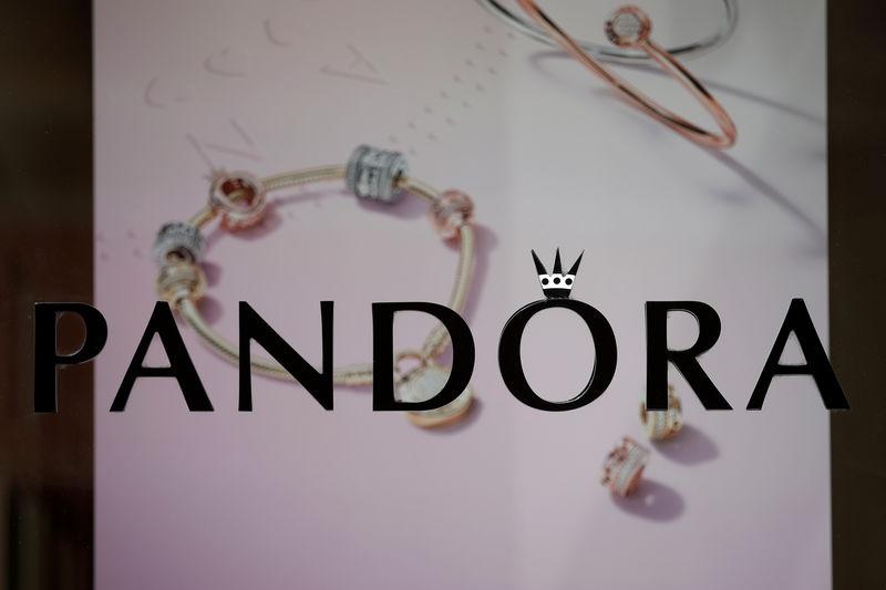 Pandora to cut 1,200 jobs as first-quarter profit, sales fall