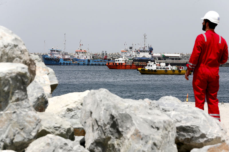 © Reuters. FILE PHOTO: A technical staff is seen at the Port of Fujairah