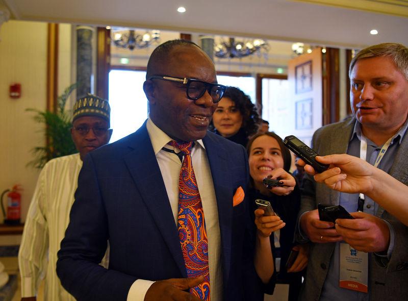 © Reuters. وزير: نيجيريا تأمل في تمديد اتفاق خفض إمدادات النفط