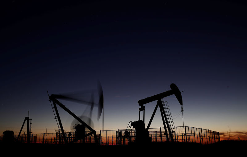 Oil prices rise on rising Middle East tension, ongoing OPEC supply cut