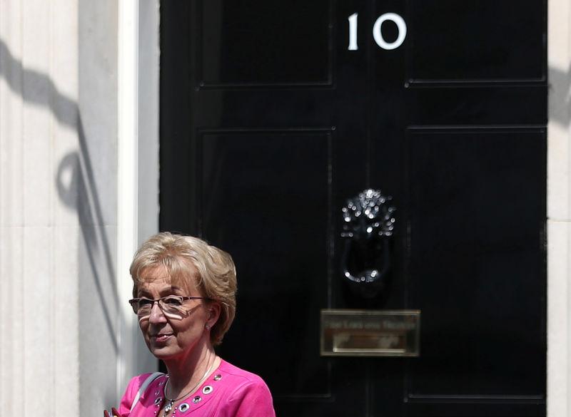 Britische Ministerin Leadsom tritt im Brexit-Streit zurück
