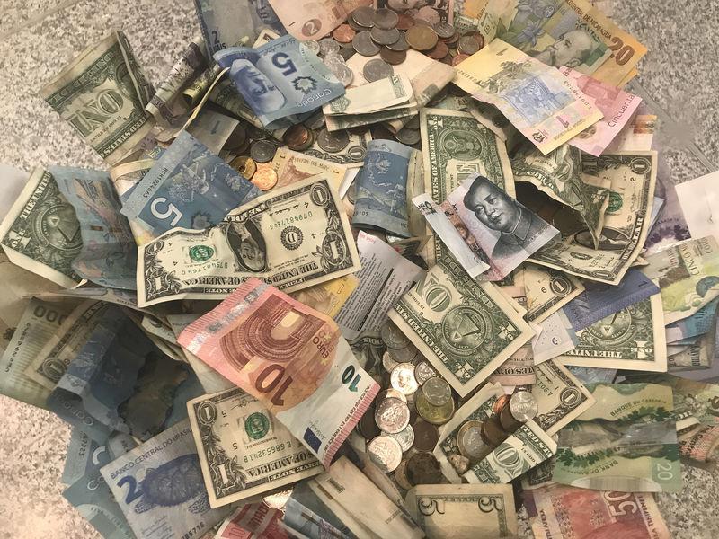 Cash stays king as nervous investors stash dough ahead of summer lull