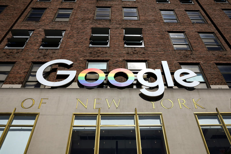 Google flags U.S. national security risks from Huawei ban - FT