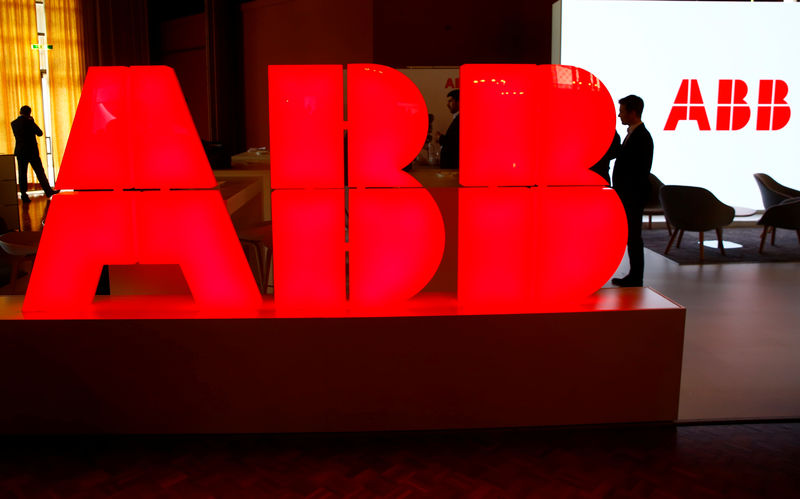 © Reuters. Logo of Swiss power technology and automation group ABB is seen at the Swiss Economic Forum conference in Interlaken