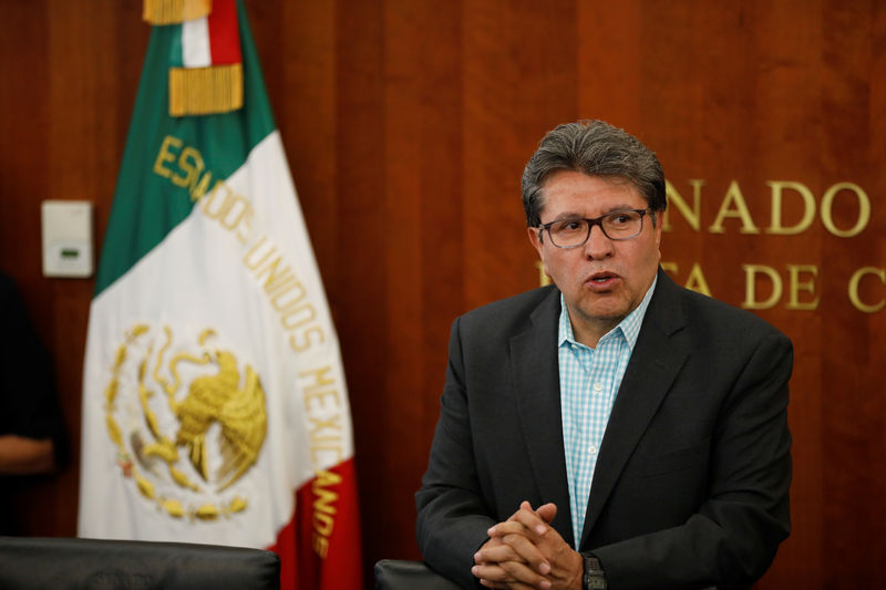 © Reuters. FILE PHOTO: Mexico's Senator Ricardo Monreal speaks during the delivery of the United States-Mexico-Canada Agreement (USMCA) deal, at the Senate building in Mexico City
