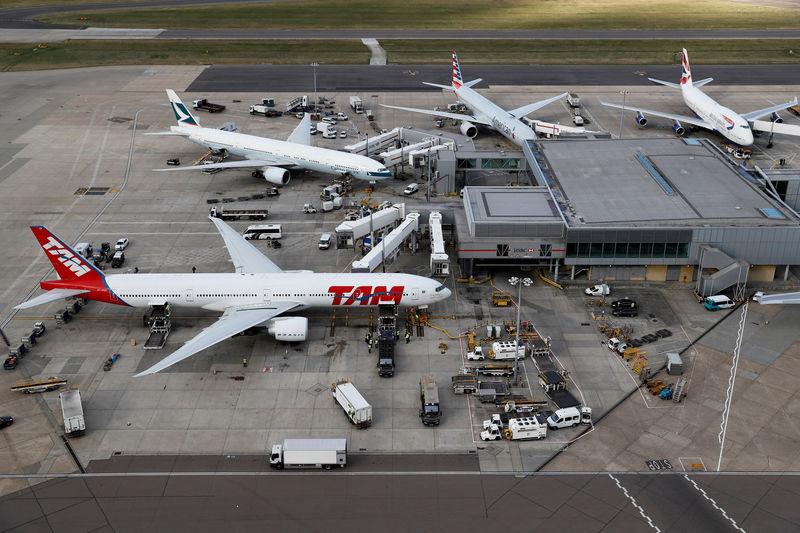 Heathrow airport publishes third runway masterplan
