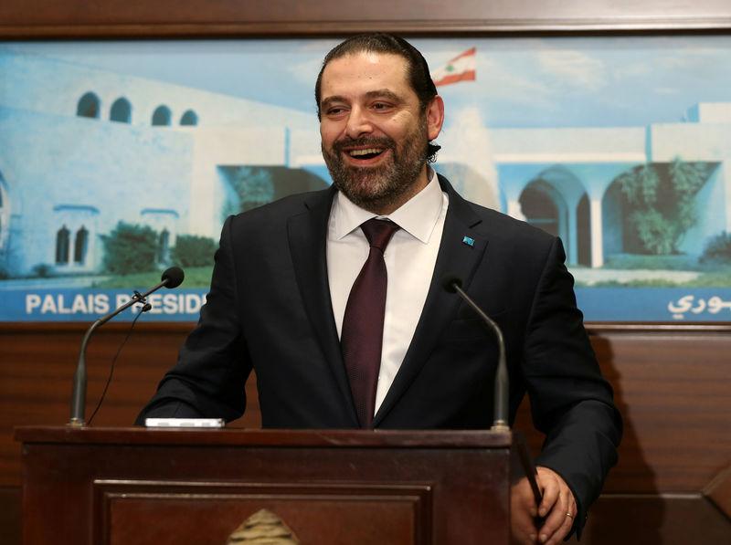 © Reuters. الحريري يدعو حكومة لبنان إلى التضامن في مناقشات الميزانية