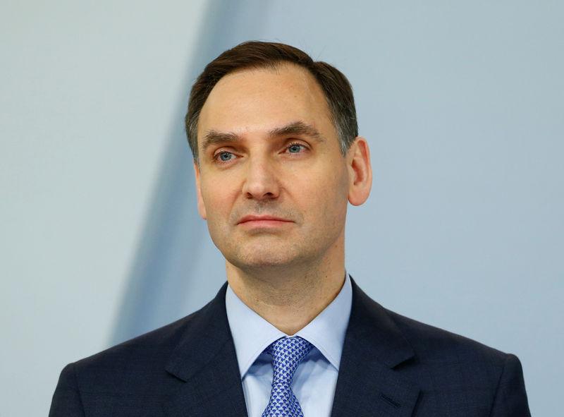 Deutsche Bank considers replacing CFO - report