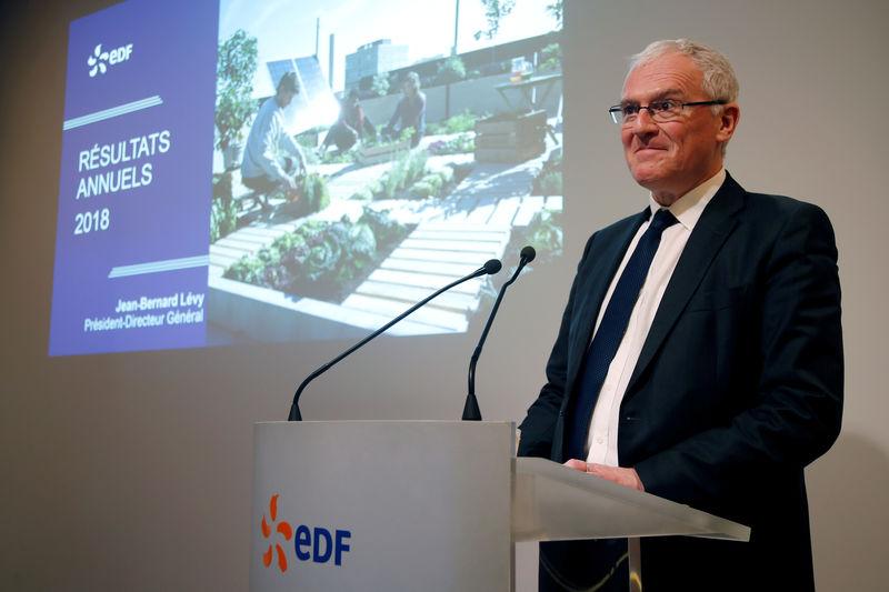 EDF CEO says welding repairs to delay Flamanville reactor