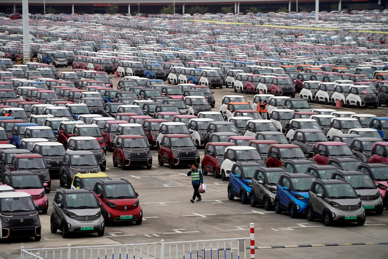 China scraps list of recommended auto battery suppliers: ministry