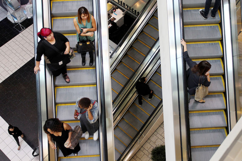 Moderate U.S. consumer spending, inflation support rate cut