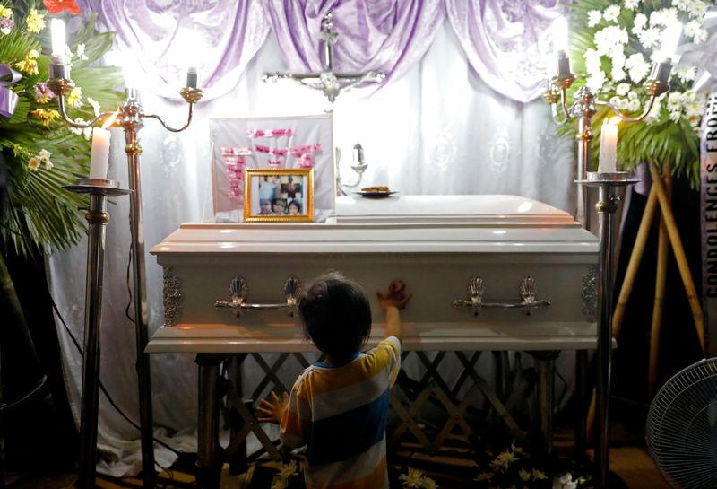 Enforcer of Philippine drug war defends police killing of