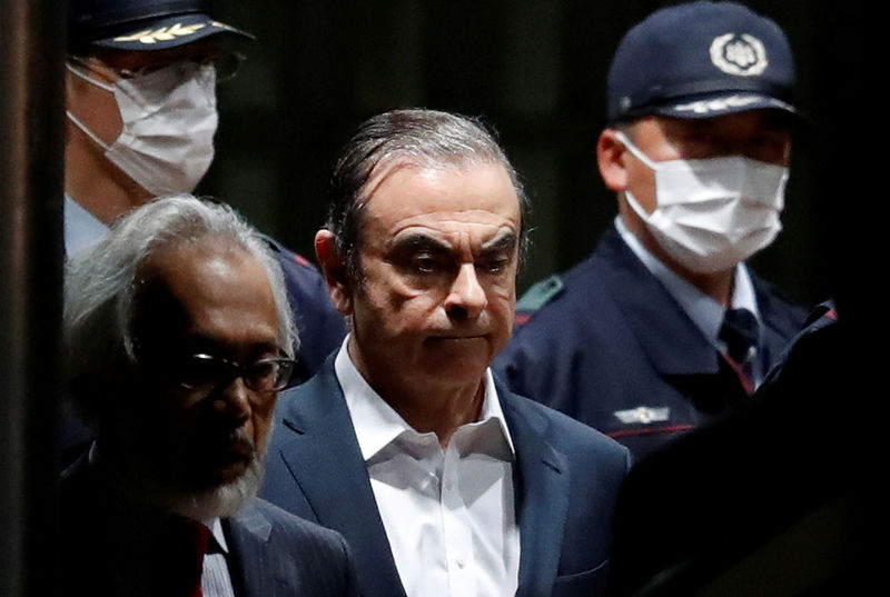 Carlos Ghosn sues Nissan-Mitsubishi in the Netherlands: paper