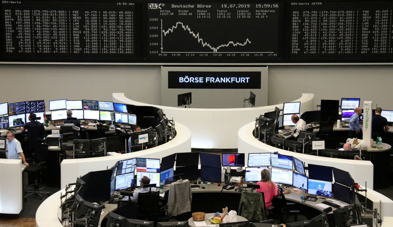 Euro stocks inch higher as Italy steadies