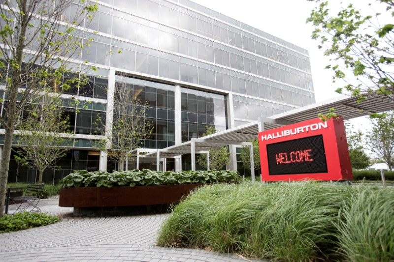 © Reuters. FILE PHOTO: Halliburton's campus in Houston, Texas