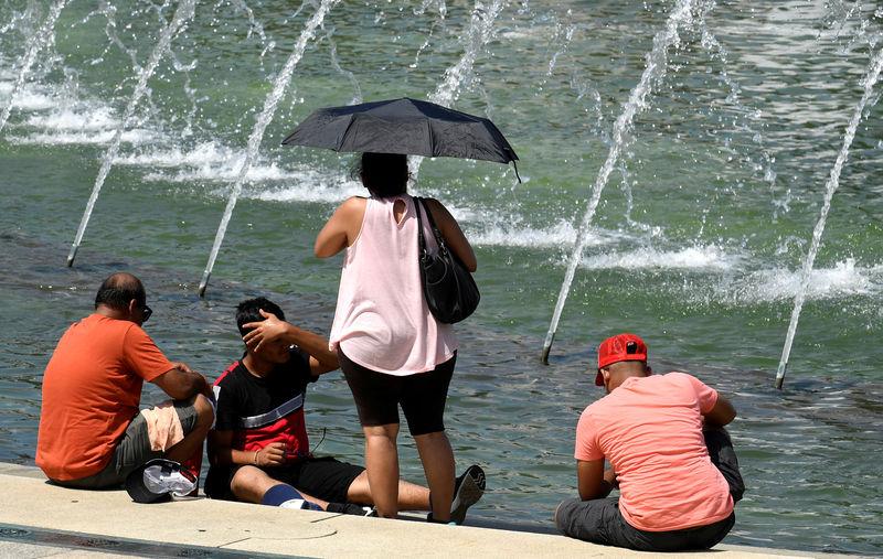 As heat wave breaks across U.S. northeast, thousands left without power