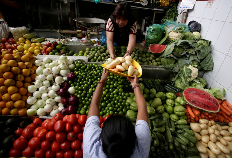 Mexico's economy seen posting 0% growth in second quarter