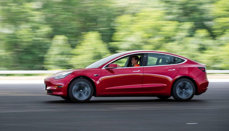 Tesla scrutinized by U S  agency over Model 3 safety claims