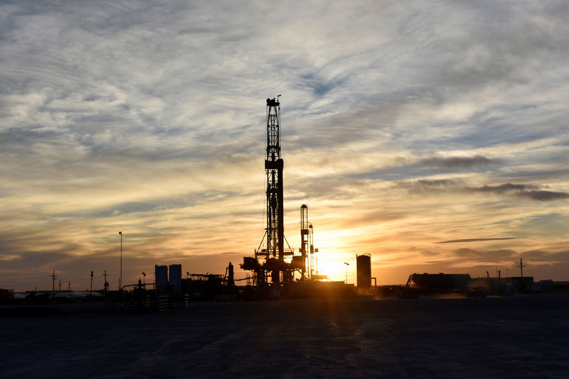 Oil prices fall on concerns over recession, inventories