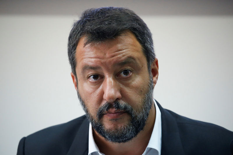 © Reuters. Italian Deputy PM Matteo Salvini holds a news conference in southern Italy on a bank holiday as the government crisis continues, in Castel Volturno