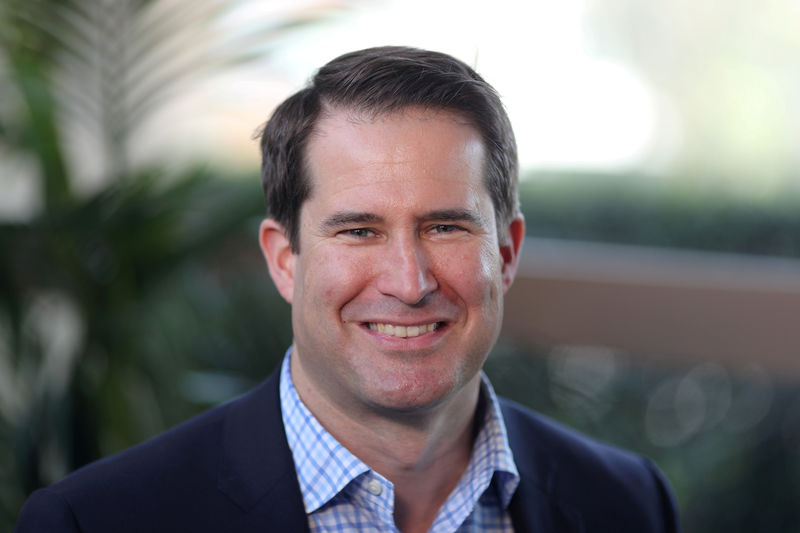 © Reuters. FILE PHOTO: U.S. Democratic presidential candidate Seth Moulton poses for a photo in Burbank