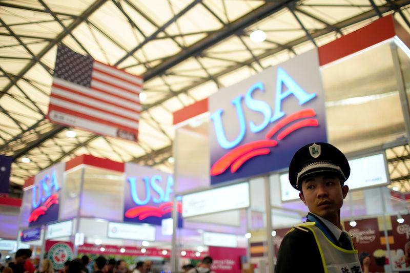 Китай и США приступили к введению новых пошлин на фоне обострения торговой войны