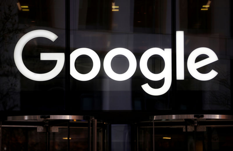 © Reuters. The Google logo is pictured at the entrance to the Google offices in London