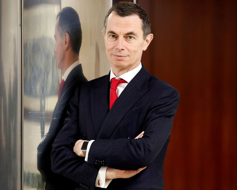Italy's UniCredit says Mustier to stay on as CEO