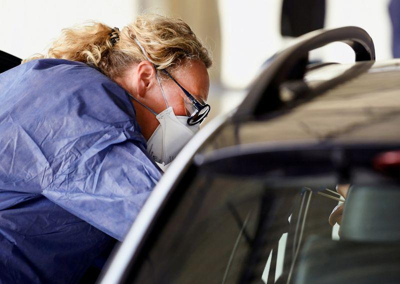 Dutch coronavirus cases rise by 1,316 to 24,413: health authorities