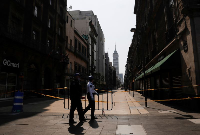 © Reuters. Outbreak of the coronavirus disease (COVID-19) in Mexico City